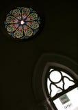 Vetro macchiato rotondo in chiesa storica, Singapore fotografia stock libera da diritti