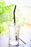 Vetro molto di acqua fredda Fotografie Stock Libere da Diritti