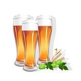 Vetro realistico con birra Fotografia Stock