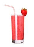 Vetro sano di sapore della fragola dei frullati isolato su bianco Fotografia Stock