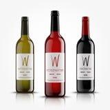 Vettore, bottiglie di vino, fatte in uno stile realistico Su una priorità bassa bianca Derisione verde, di rosso e del nero su illustrazione vettoriale