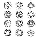 Vettore circolare geometrico del tatuaggio del nero di tiraggio del fiore dello Spirograph dell'ornamento Immagini Stock Libere da Diritti