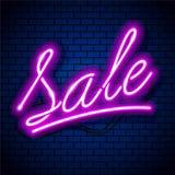Vettore d'iscrizione al neon di vendita illustrazione di stock