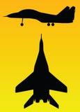 Vettore della siluetta dell'aeroplano royalty illustrazione gratis