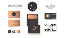 Vettore di lusso Logo Template Progettazione di marca specializzata Lettera calligrafica L come monogramma Fotografie Stock