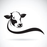 Vettore di una progettazione della testa della mucca su fondo bianco Azienda agricola illustrazione vettoriale