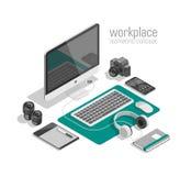 Vettore isometrico piano di concetto dell'area di lavoro del progettista di tecnologia 3d Computer portatile, Smart Phone, macchi Immagini Stock