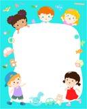 Vettore multirazziale sveglio di progettazione del manifesto dei bambini del modello in bianco Immagine Stock Libera da Diritti