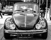 Vettura compact Volkswagen Beetle Cabrio, 1976 immagini stock