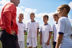 Vettura Motivating Junior Football Team immagine stock