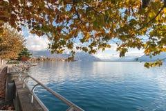 VEVEY, SUISSE - 29 OCTOBRE 2015 : Vue panoramique de Vevey et de Lac Léman Photo libre de droits