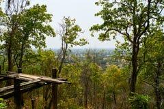 Vew da montanha do pagode de Sambok, Kratie, Camboja foto de stock