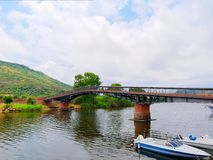 Vew de una pasarela en la ciudad de Bosa Imágenes de archivo libres de regalías