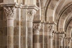 Vezelay bågar royaltyfria bilder