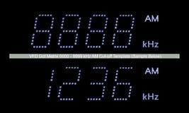 VFD σημείων μητρών AM ραδιο κινηματογράφηση σε πρώτο πλάνο προτύπων επίδειξης μακρο, μπλε μεγάλη λεπτομερής απομονωμένη, μαύρο υπ Στοκ εικόνα με δικαίωμα ελεύθερης χρήσης