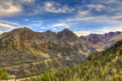 Väg i bergen Royaltyfria Bilder