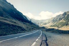 Väg i muntains - Transfagarasan huvudväg Fotografering för Bildbyråer