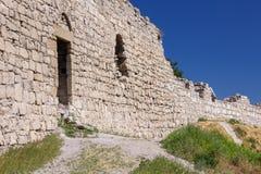 Vägg av den Genoese fästningen Royaltyfri Bild