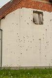 Vägg med kulhål, Kroatien Arkivfoton