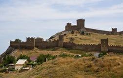 Väggen av den Genoese fästningen Arkivbilder