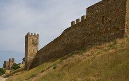 Väggen av den Genoese fästningen Arkivfoton