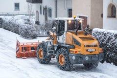 Véhicule de déblaiement de neige Photos stock