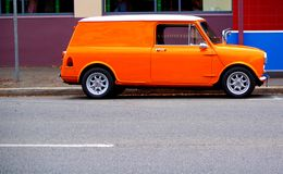 Véhicule orange mignon Photographie stock