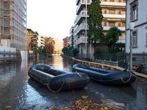Véhicules de protection civile sur les routes affectées par l'inondation Image libre de droits