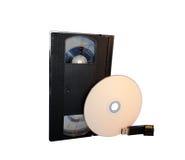 VHS-, CD-Scheibe, USB-Blitz-Antrieb und codierte Karte Stockfotografie
