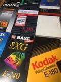 VHS-Videokassetten, viele Marken sind erkennbar lizenzfreies stockfoto