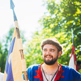 VI中世纪文化节日的战士参加者  免版税库存图片