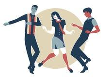 Vi är Mods Unga grabbar och flicka som bär retro kläder i dansen för 60-taländrings-stil Arkivfoto
