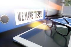 VI GÖR DET LÄTT! fotografering för bildbyråer