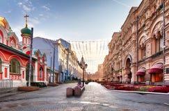 Via al giorno, nessuno di Mosca Tverskaya fotografie stock libere da diritti