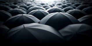 Via ammucchiata in pieno degli ombrelli Fotografia Stock