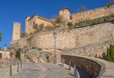Via che conduce al castello in Alquezar Fotografie Stock
