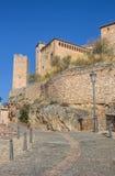 Via che conduce al castello in Alquezar Fotografia Stock Libera da Diritti