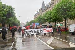 Via chiusa alla protesta contro le riforme del lavoro della Francia Immagine Stock