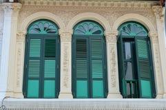 Via coloniale decorata 8, Singapore di purvis degli otturatori e delle finestre Immagine Stock