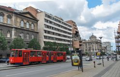 Via con il precedente Ministero della difesa iugoslavo la costruzione distrutto tramite il bombardamento di NATO a Belgrado Serbi fotografia stock libera da diritti