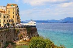 Via costiera Grecia della città di Corfù Immagini Stock