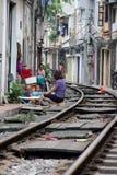 Via del treno, Hanoi, Vietnam Immagine Stock