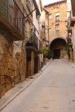 Via del villaggio di Horta de Sant Joan, Terra Alta, dragoncello Fotografie Stock