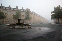 Via della città del bagno nella nebbia 2 Fotografie Stock Libere da Diritti