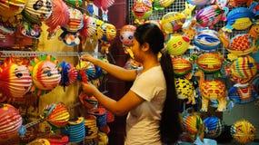 Via della lanterna del Vietnam, mercato dell'aria aperta Fotografie Stock Libere da Diritti