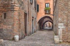 Via delle Volte, vicolo medievale a Ferrara, Italia Fotografia Stock