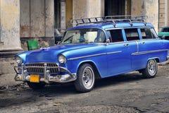 via di Avana dell'automobile vecchia Fotografia Stock