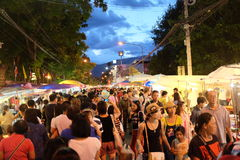 Via di camminata in Chiangmai, Tailandia Fotografia Stock Libera da Diritti