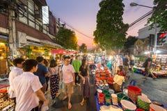 Via di camminata del mercato di Chiang Mai Fotografie Stock Libere da Diritti