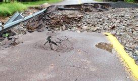 Via di danni delle alluvioni dalla tempesta immagini stock